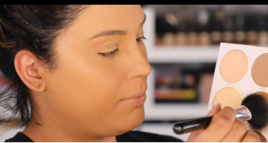 Atrévete a dar un cambio radical, con un maquillaje neutro y fácil de la mano de Roccibella contorno