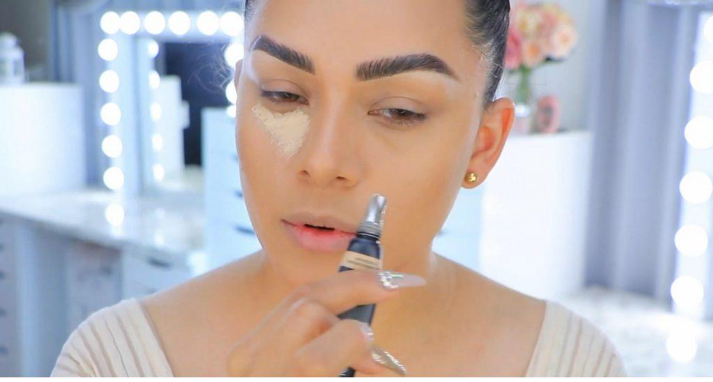 Aprende a maquillarte como Kendall y Kylie Jenner con Jeamileth Doll corrector