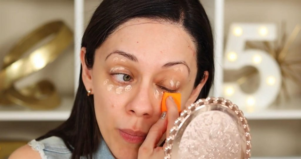 ¡Base de maquillaje invisible de la mano de Rosy McMichael! Corrector