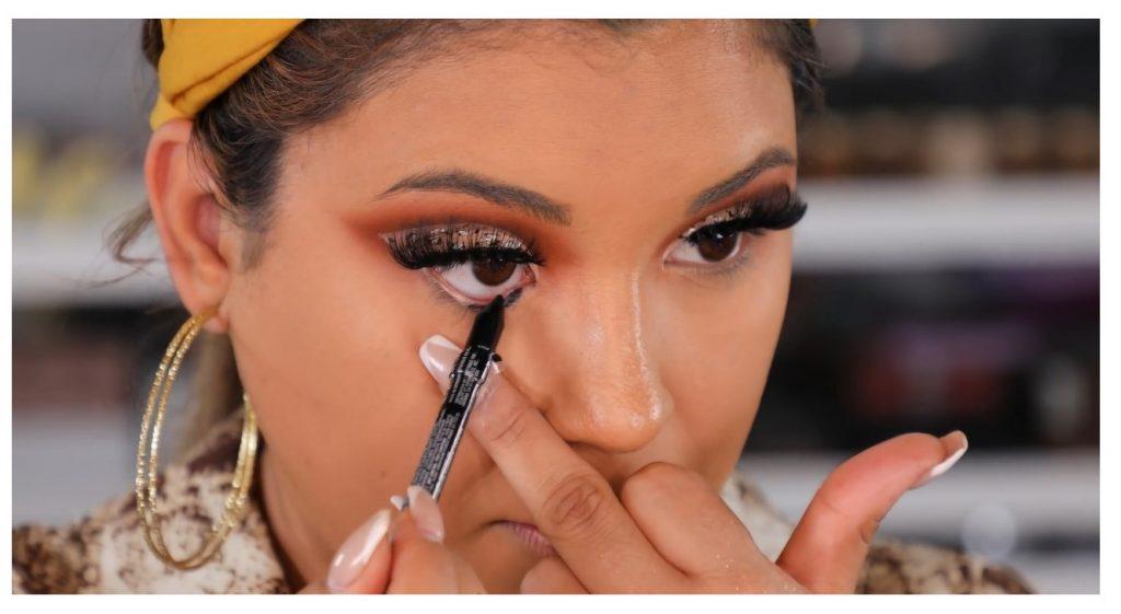 ¡Tutorial! Aprende a maquillar tus ojos de animal print con Roccibella delinear con lápiz