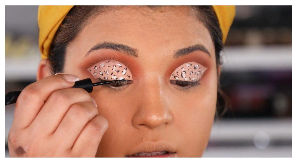 ¡Tutorial! Aprende a maquillar tus ojos de animal print con Roccibella delinear párpado superior