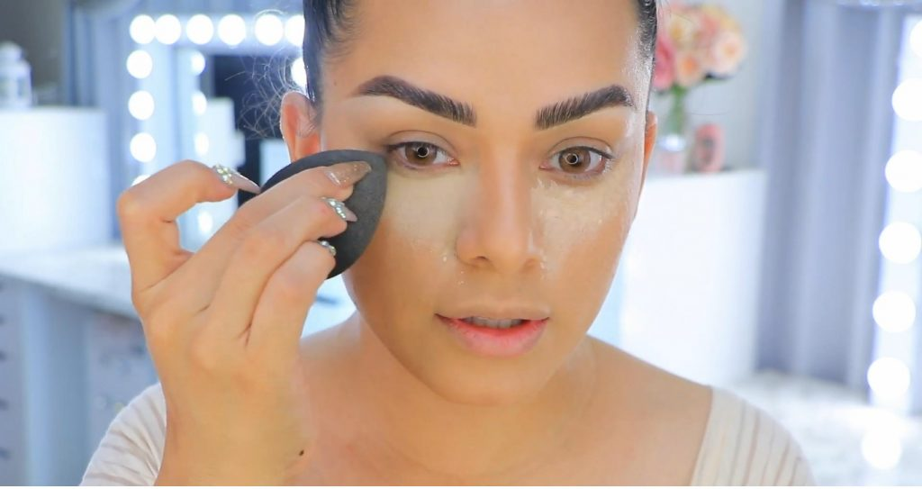 Aprende a maquillarte como Kendall y Kylie Jenner con Jeamileth Doll difuminar corrector