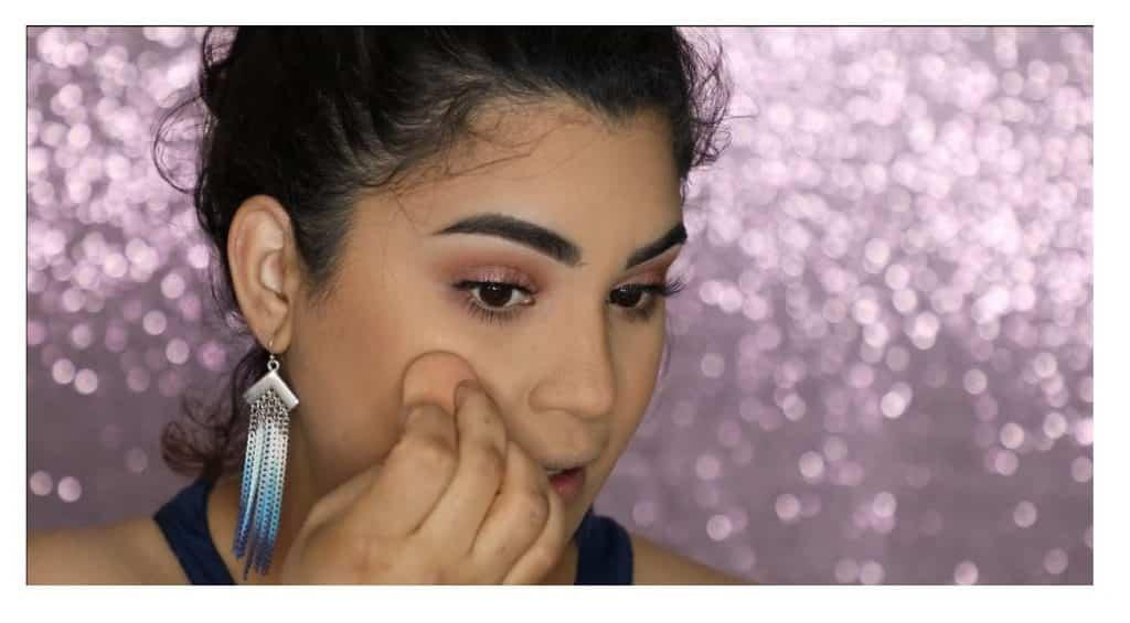 Aprende a hacer un maquillaje duradero para verano con este tutorial de Roccibella iluminador