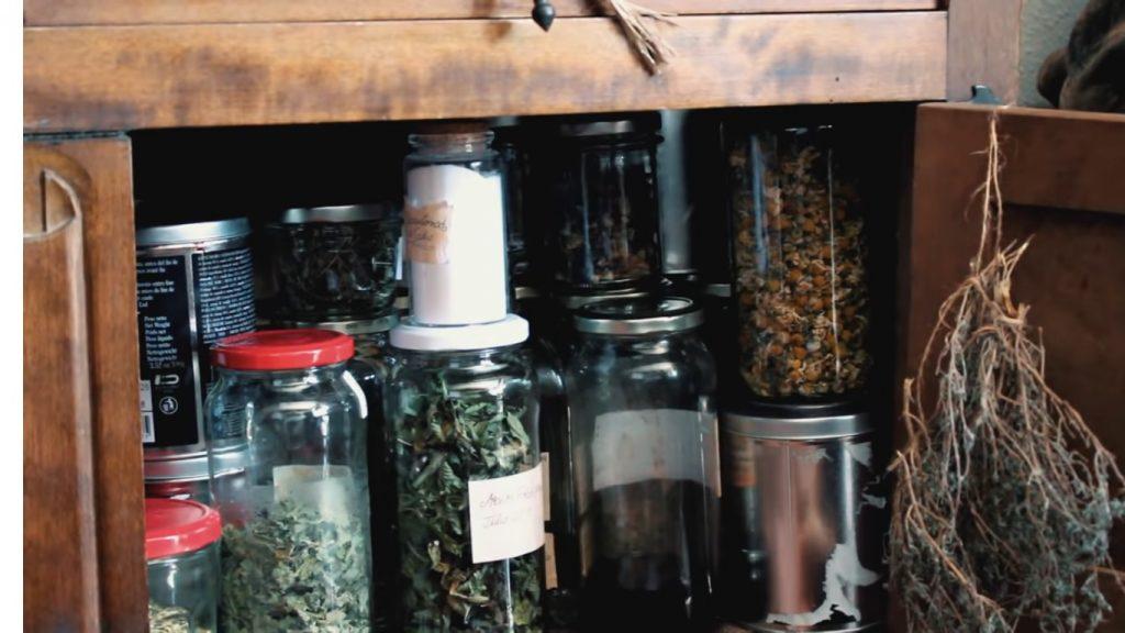Cuidado facial con plantas medicinales