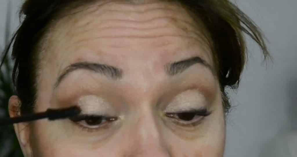Maquillaje de verano para pieles maduras ¡Tutorial! Máscara