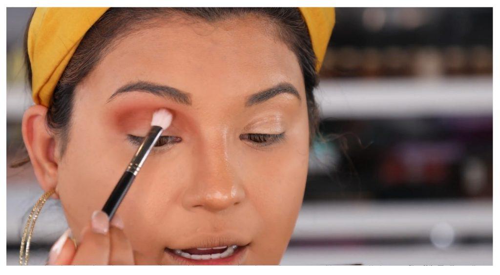 ¡Tutorial! Aprende a maquillar tus ojos de animal print con Roccibella maquilar la cuenca del ojo
