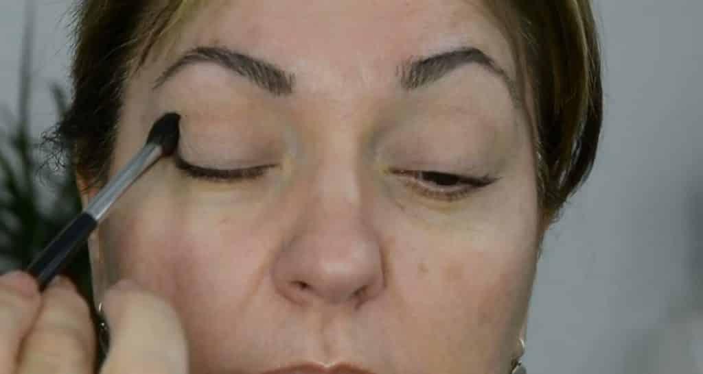 Maquillaje de verano para pieles maduras ¡Tutorial! Sellar la prebase