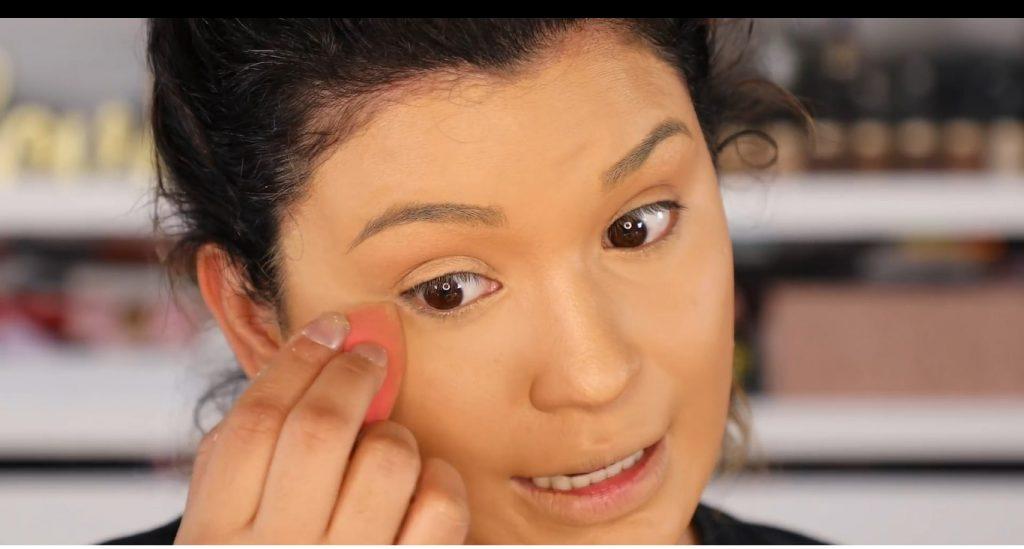 Atrévete a dar un cambio radical, con un maquillaje neutro y fácil de la mano de Roccibella polvos sueltos