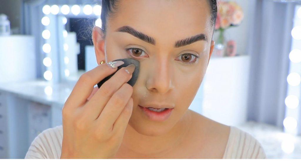 Aprende a maquillarte como Kendall y Kylie Jenner con Jeamileth Doll polvo traslucido