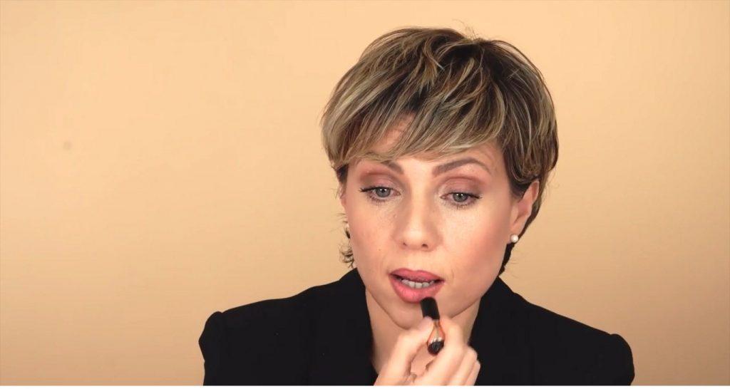 Maquillaje para labios finos tutorial rellenar con el labial