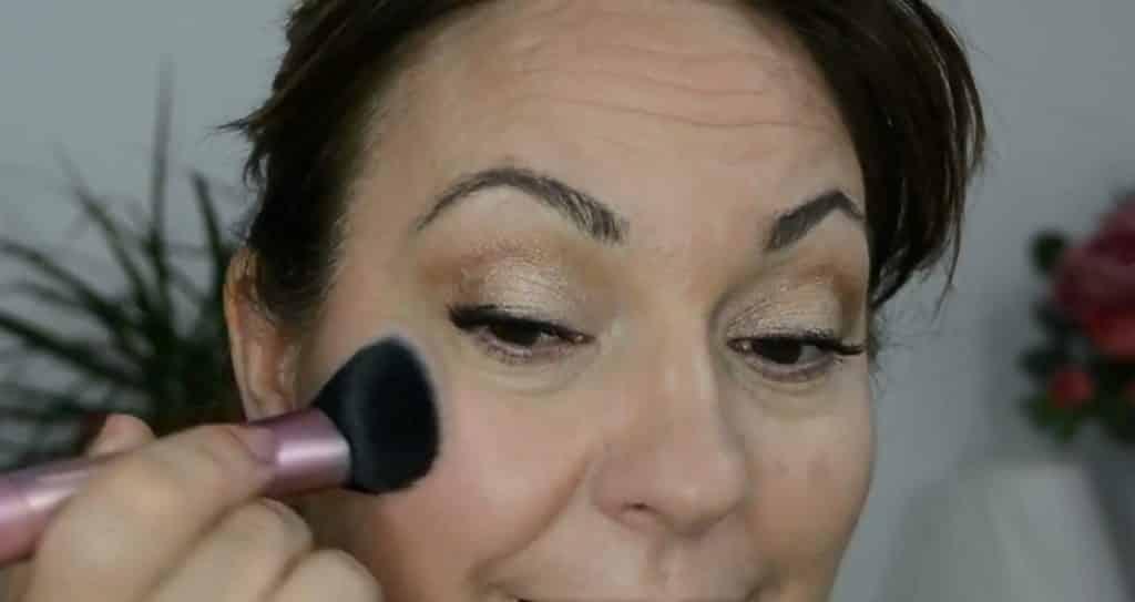 Maquillaje de verano para pieles maduras ¡Tutorial! Rubor