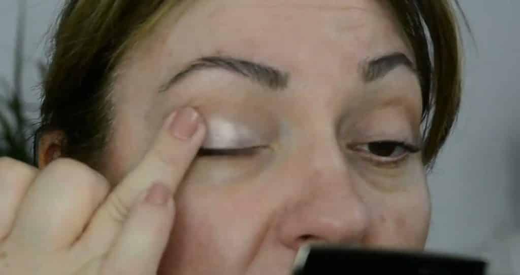 Maquillaje de verano para pieles maduras ¡Tutorial! Sombra metalizada