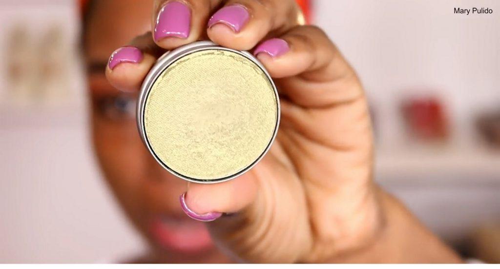 Tutorial de maquillaje de noche para piel morena sombra metalizada verde limón