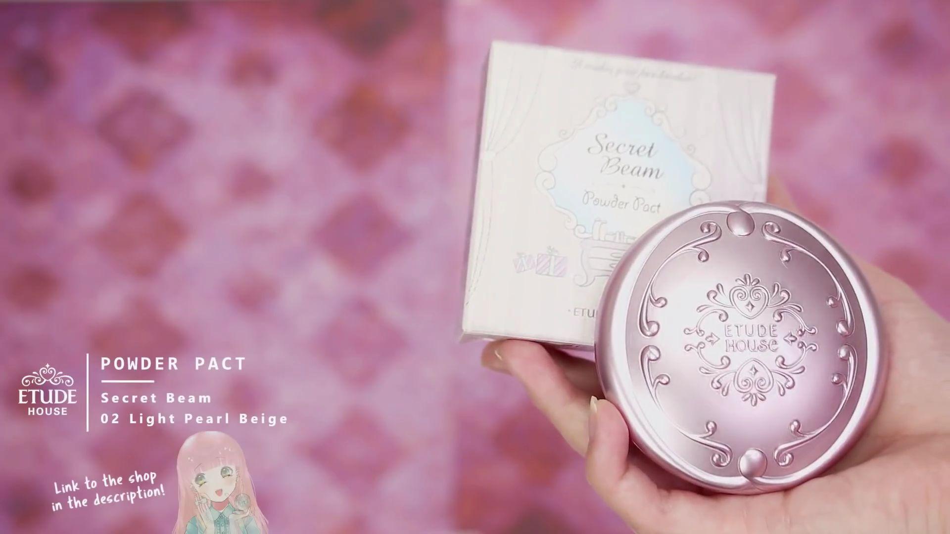 Misa Amane Cosplay DIY en 9 pasos: Powder Pact Secret Beam de tono 02 light Pearl Beige de la marca Etude House.