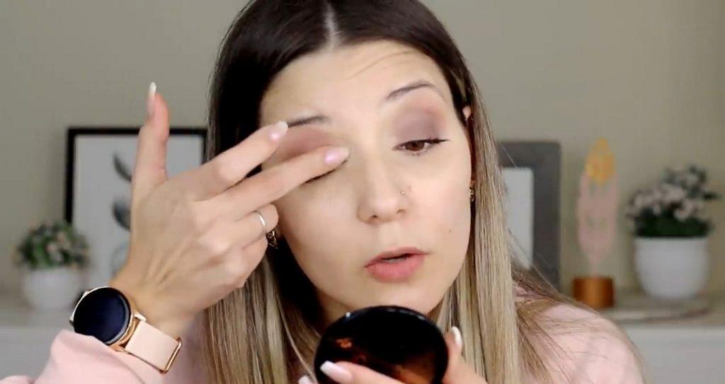 Maquillaje para el día probando productos Mary Kay ¡Nanu Makeup quedó impactada! Aplica sombra clara