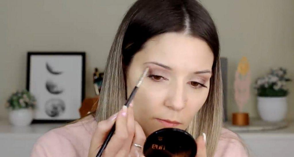 Maquillaje para el día probando productos Mary Kay ¡Nanu Makeup quedó impactada! Aplica sombra con brillo para iluminar