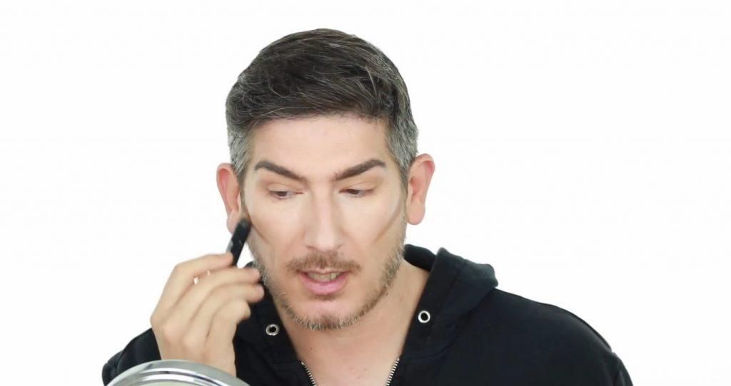 Conoce los productos Mary Kay de la mano de Martin Catalogne Makeup aplica el AT Play Contouring Stick