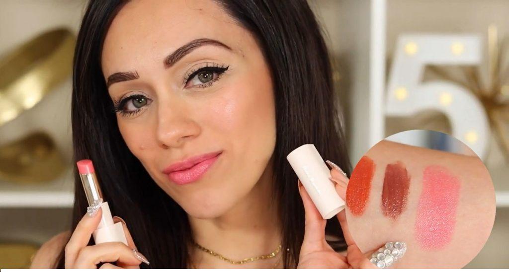 ¡Conoce Rare Beauty! La nueva línea de productos de Selena Gómez de la mano de Rosy McMichael bálsamo tono Blessed