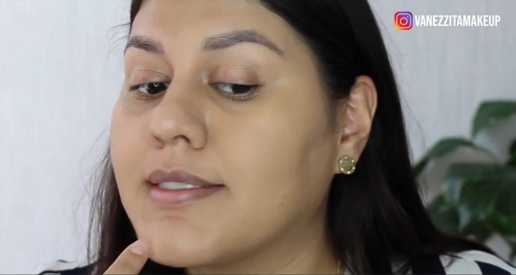 Con la base TimeWise de Mary Kay tu maquillaje durará impecable por más tiempo resultado de la difuminación con beauty blender