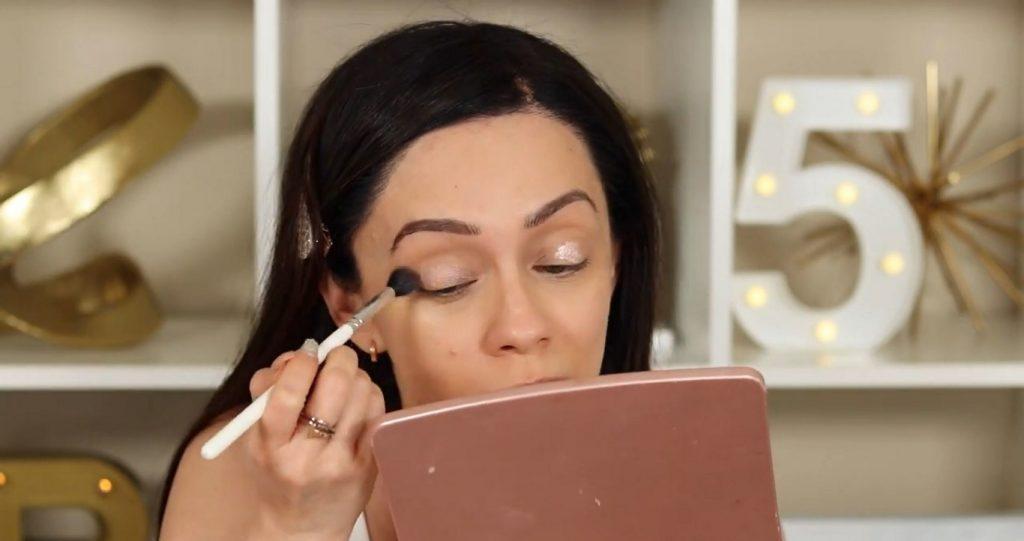 ¡Conoce Rare Beauty! La nueva línea de productos de Selena Gómez de la mano de Rosy McMichael difumina el iluminador