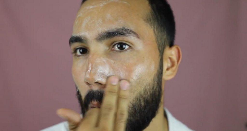 ¡Conoce MKMen! La línea de Mary Kay para el cuidado de la piel del hombre aplicar la Limpiadora Facial.