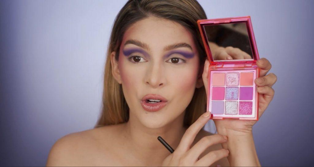 Aprende a hacer un maquillaje de fantasía de la mano de Mariana Zambrano ¡Tutorial! Sombra lila
