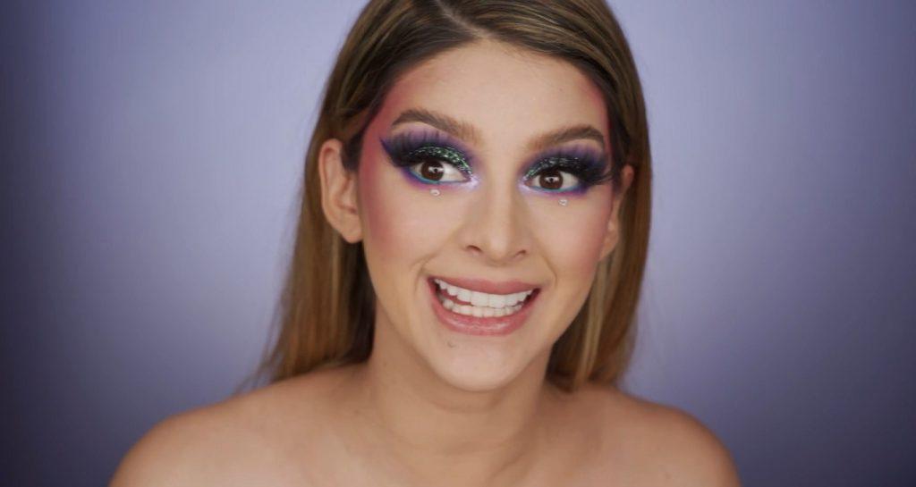 Aprende a hacer un maquillaje de fantasía de la mano de Mariana Zambrano ¡Tutorial! Colocar pestañas postizas