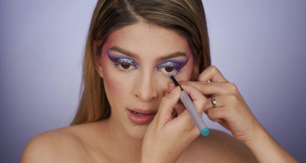 Aprende a hacer un maquillaje de fantasía de la mano de Mariana Zambrano ¡Tutorial! Delinear la línea de agua