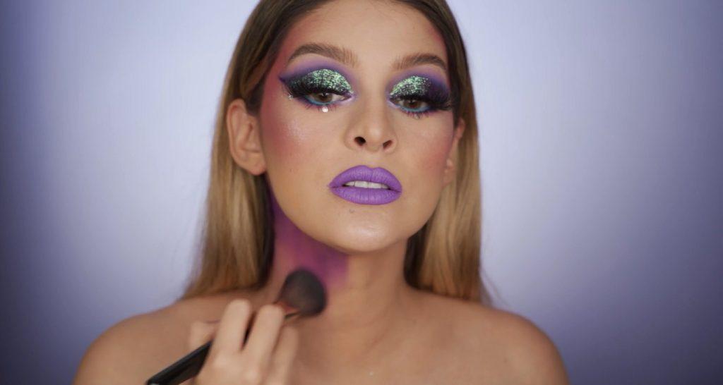 Aprende a hacer un maquillaje de fantasía de la mano de Mariana Zambrano ¡Tutorial! Maquillaje del cuello