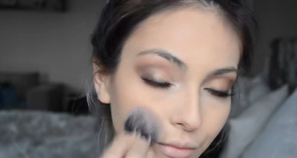 Maquillaje natural para la noche ¡Tutorial! Aplica rubor