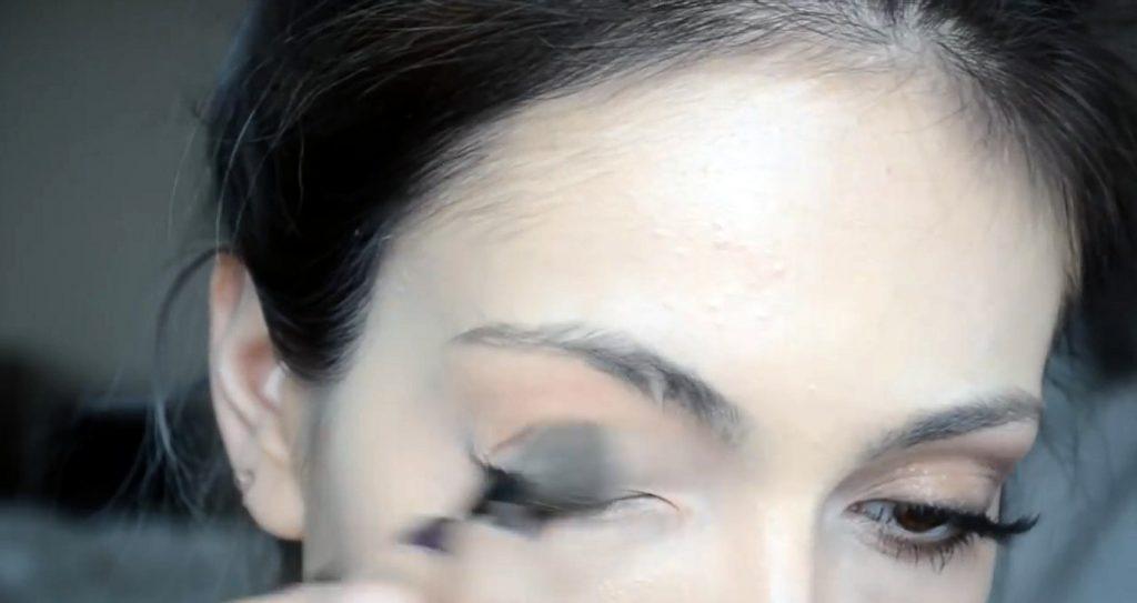 Maquillaje natural para la noche ¡Tutorial! Aplicar sombra color beige