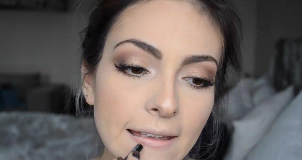 Maquillaje natural para la noche ¡Tutorial! Delinear los labios