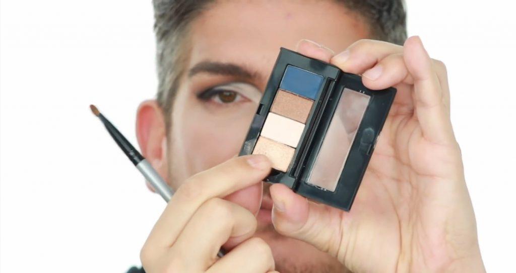 Conoce los productos Mary Kay de la mano de Martin Catalogne Makeup sombra en el tono dorado metalizado