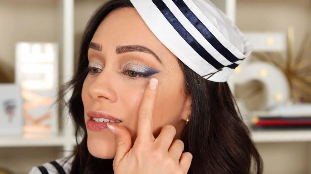 Conoce Sailor Collection, lo nuevo de Kylie Cosmetics, de la mano de Rosy McMichael retira la cinta adhesiva