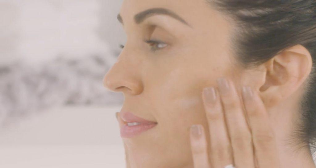 Rutina básica de día Mary Kay, un excelente tratamiento para el cuidado de la piel Aplicar el Minimizador de poros TimeWise