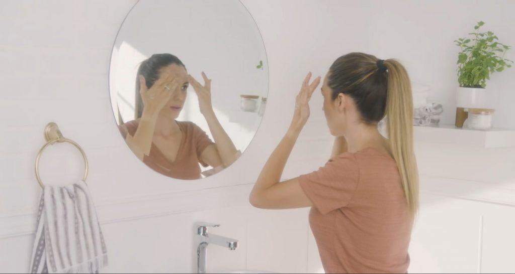 Rutina básica de día Mary Kay, un excelente tratamiento para el cuidado de la piel  Aplicar el suero corrector de poros