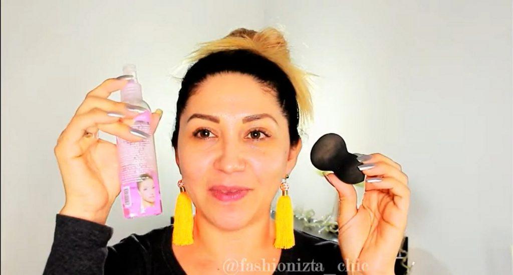 Conoce los beneficios de usar la CC Cream de Mary Kay humedecer la beauty blender con fijador de maquillaje