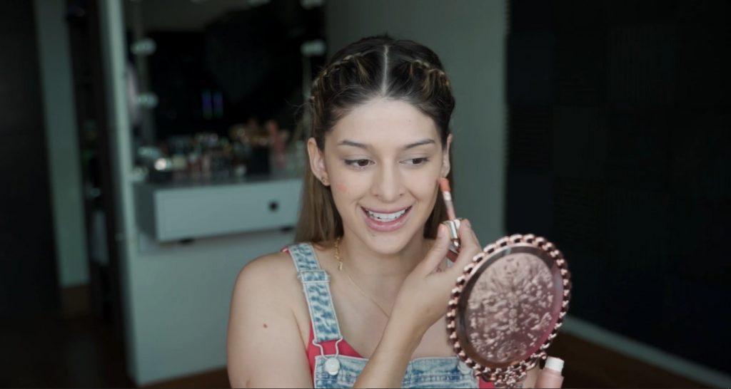 Maquillaje para principiantes paso a paso con Mariana Zambrano Aplicar rubor