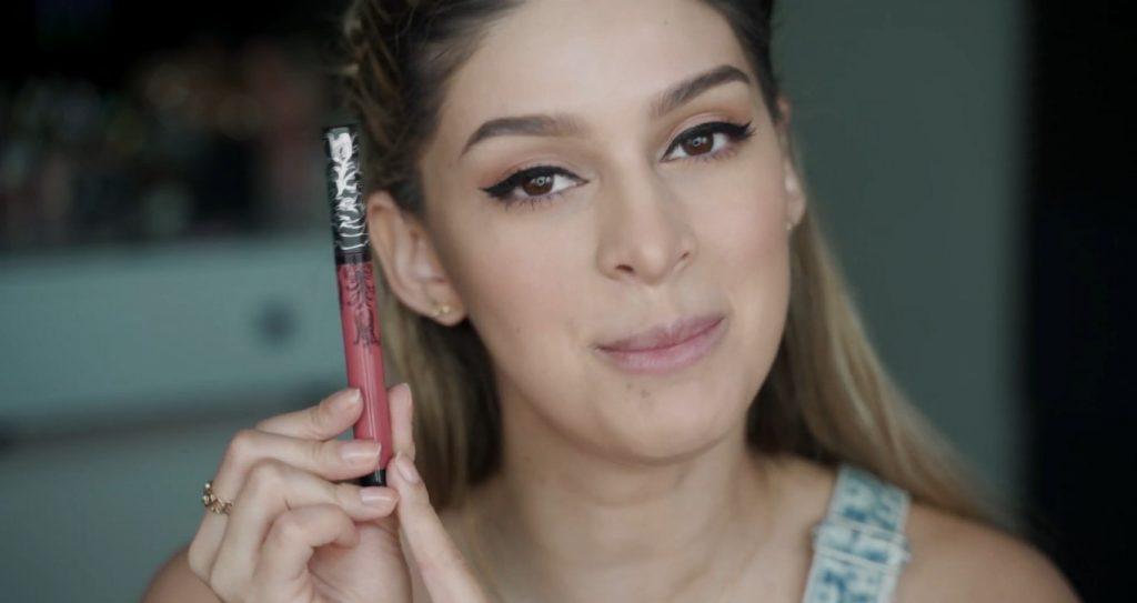 Maquillaje para principiantes paso a paso con Mariana Zambrano Labial marca Kat Von D