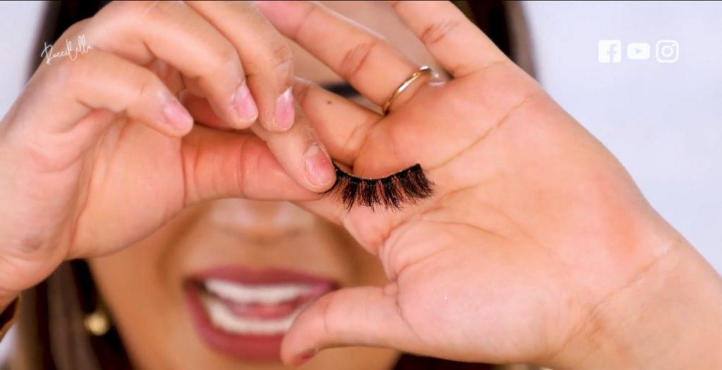 Aprende a aplicar las sombras para un maquillaje de noche, de la mano de Roccibella pestañas postizas para párpado normal.
