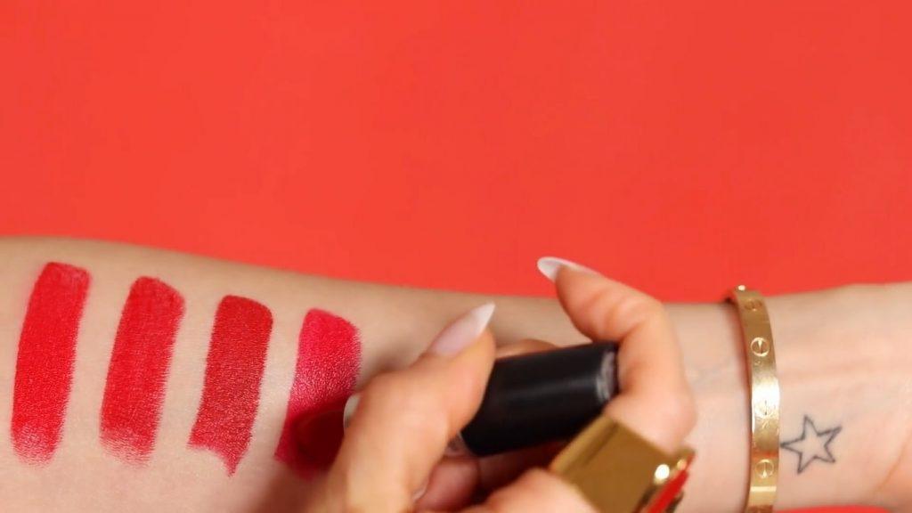 Rosalía y MAC ¡VIVA GLAM! Descubre de la mano de Rosy McMichael porqué este labial es tan famoso Comparación con el M.A.C RED