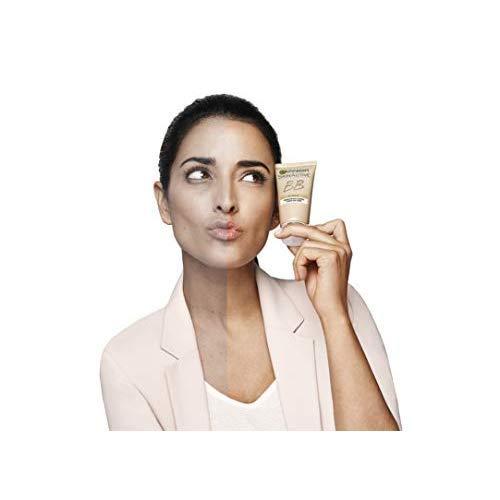 Garnier Skin Active - BB Cream Clásica, Crema Hidratante Todo en 1 para Pieles Normales, SPF15 con Vitamina C, Tono Medio, 50 ml