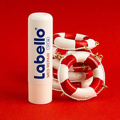 Labello Med Repair 4.8 gr, bálsamo labial con protector solar, SPF 15 y vitamina E